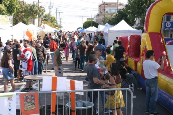 crowd scene 1 at Potrero festival 2009