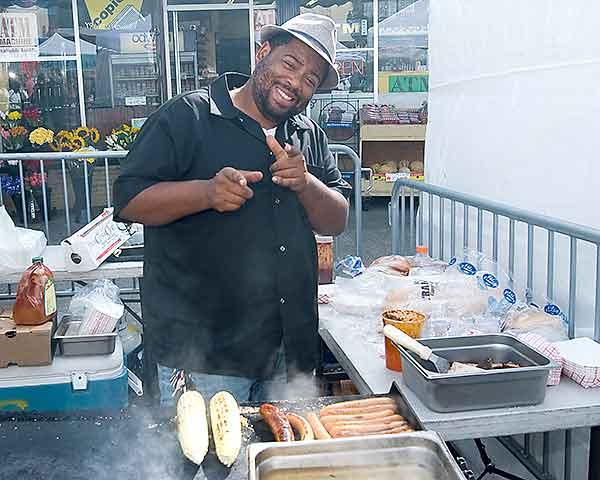 Man cooking BBQ at Potrero 2010 Festival photo